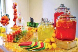 Barras de bebidas coloridas
